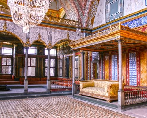 Beautifully decorated vintage audience hall in the Topkapi Palace in Istanbul