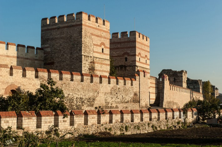 City Walls Of Istanbul Constantinople S Impregnable Walls