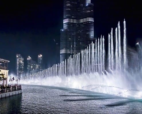 Dubai Fountain - 6600 lights and 25 projectors, it shoots water 150 m into the air