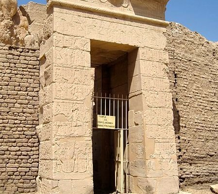 Entrance of Hathor Temple of Deir El Medina - Photo by Olaf Tausch