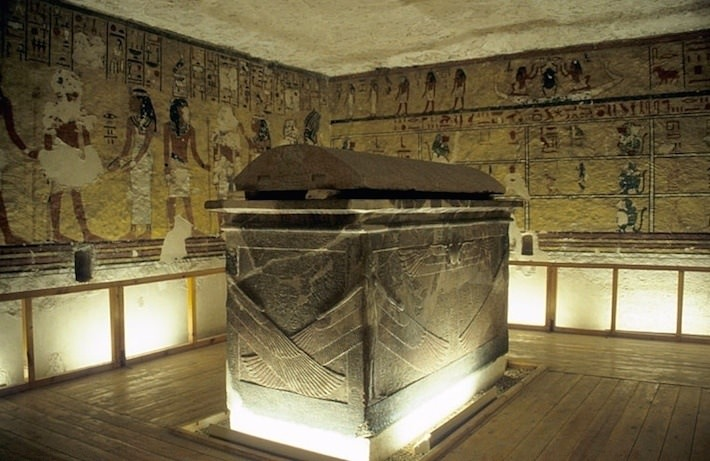 Sarcophagus-chamber-of-Tomb-of-Ay-KV23-Photo-by-Roland-Unger Wiring Number on