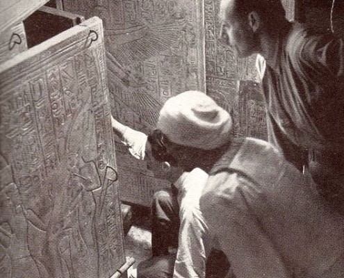 The Moment Carter Opens the Tomb of Tutankhamun