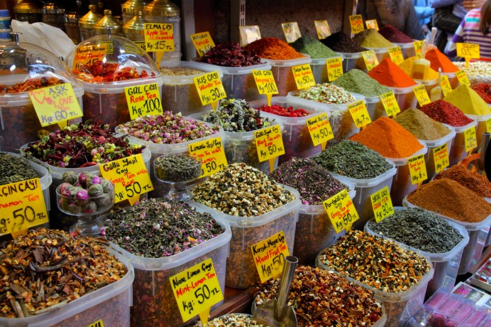 Spice Market In Istanbul [Epic Spice Trade Center Of Turkey]