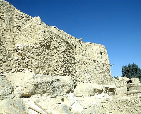 Eastern wall of Qasr Farafra - Photo by Roland Unger