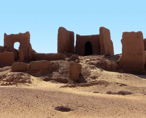 Ruins the mud-brick Temple of Qasr Dush