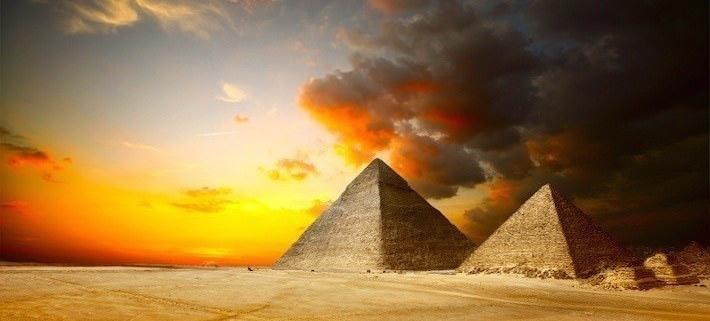 Ancient Egyptian Pyramids - Giza Plateau, Cairo