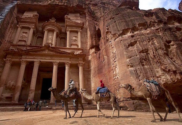 Jordan Tourist Attractions - Petra, the Treasury and Camels