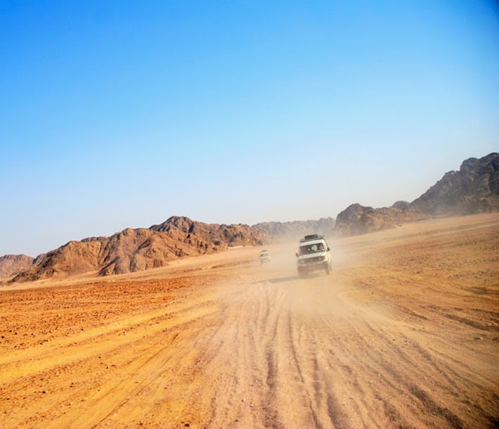 Egypt Adventure Tours - Jeep safari at dusty Eastern Desert in Egypt
