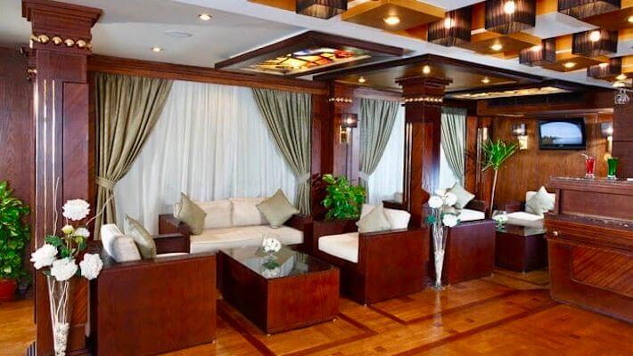 Merit Dahabiya Nile Cruise - Lounge Bar