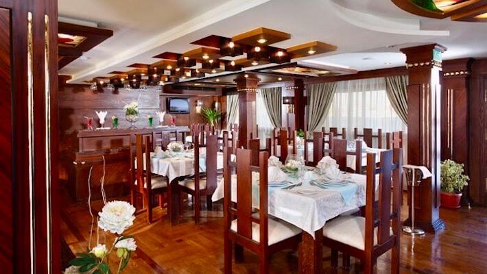 Merit Dahabiya Nile Cruise - Restaurant