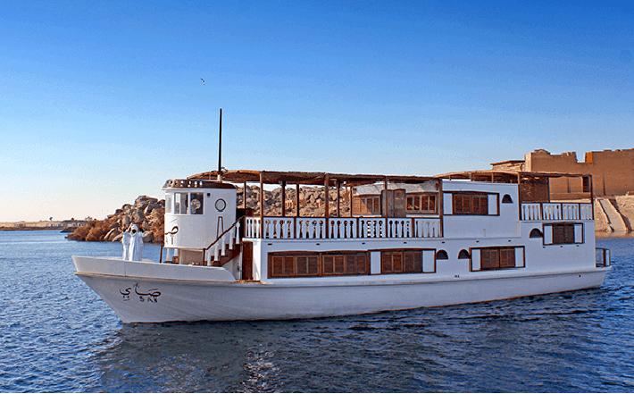 Sai Dahabiya Lake Cruise