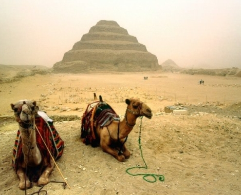 Pirâmide-de-degraus-do-Faraó Djoser